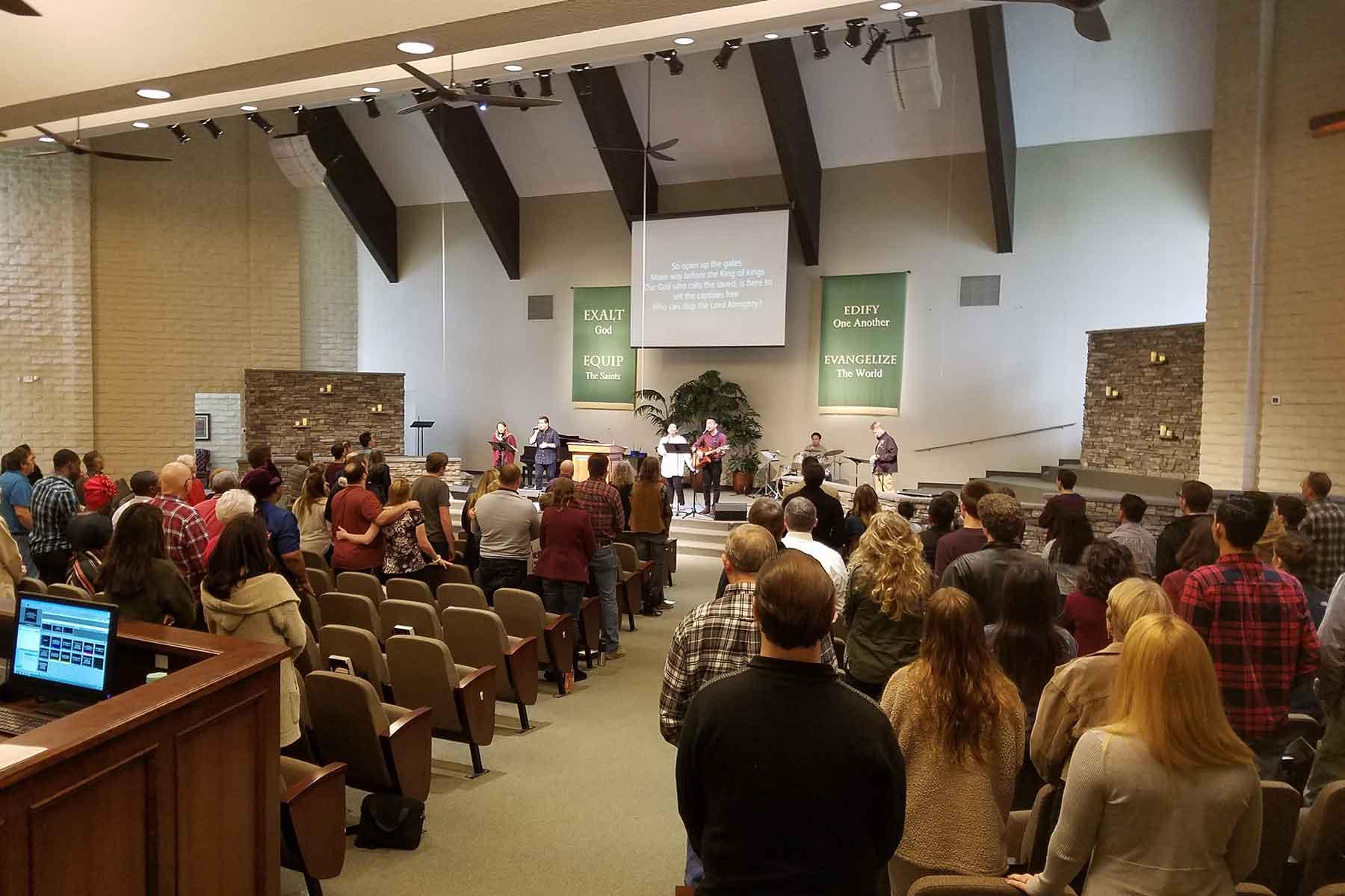 1800-Sunday-morning-worship-service-PVBC