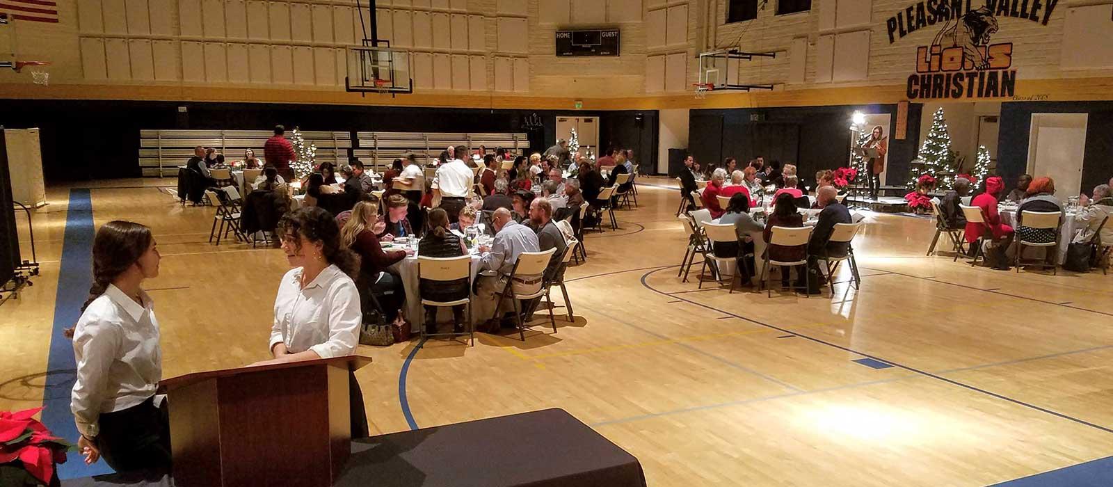 annual-ministries-outreach-Christmas-dinner